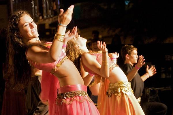 Онлайн-обучение танцу живота – тряска бедрами