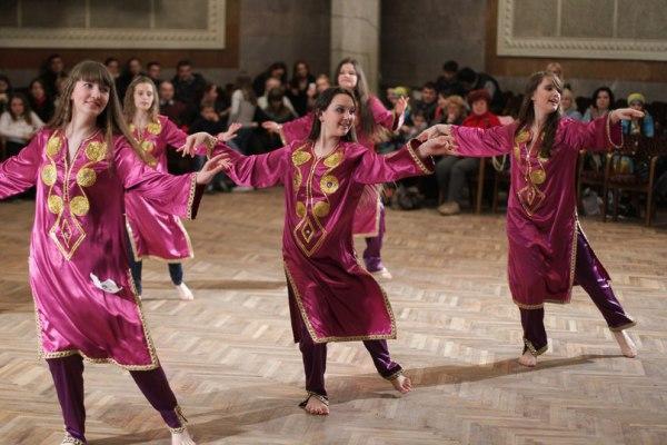 Персидский танец бандари