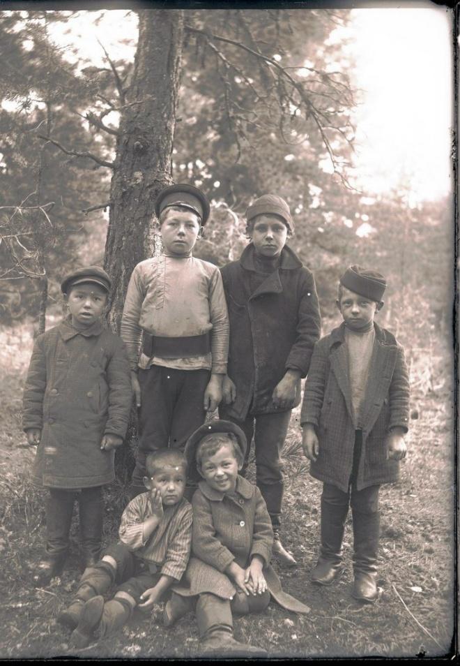 Село Ларьяк.Русские дети