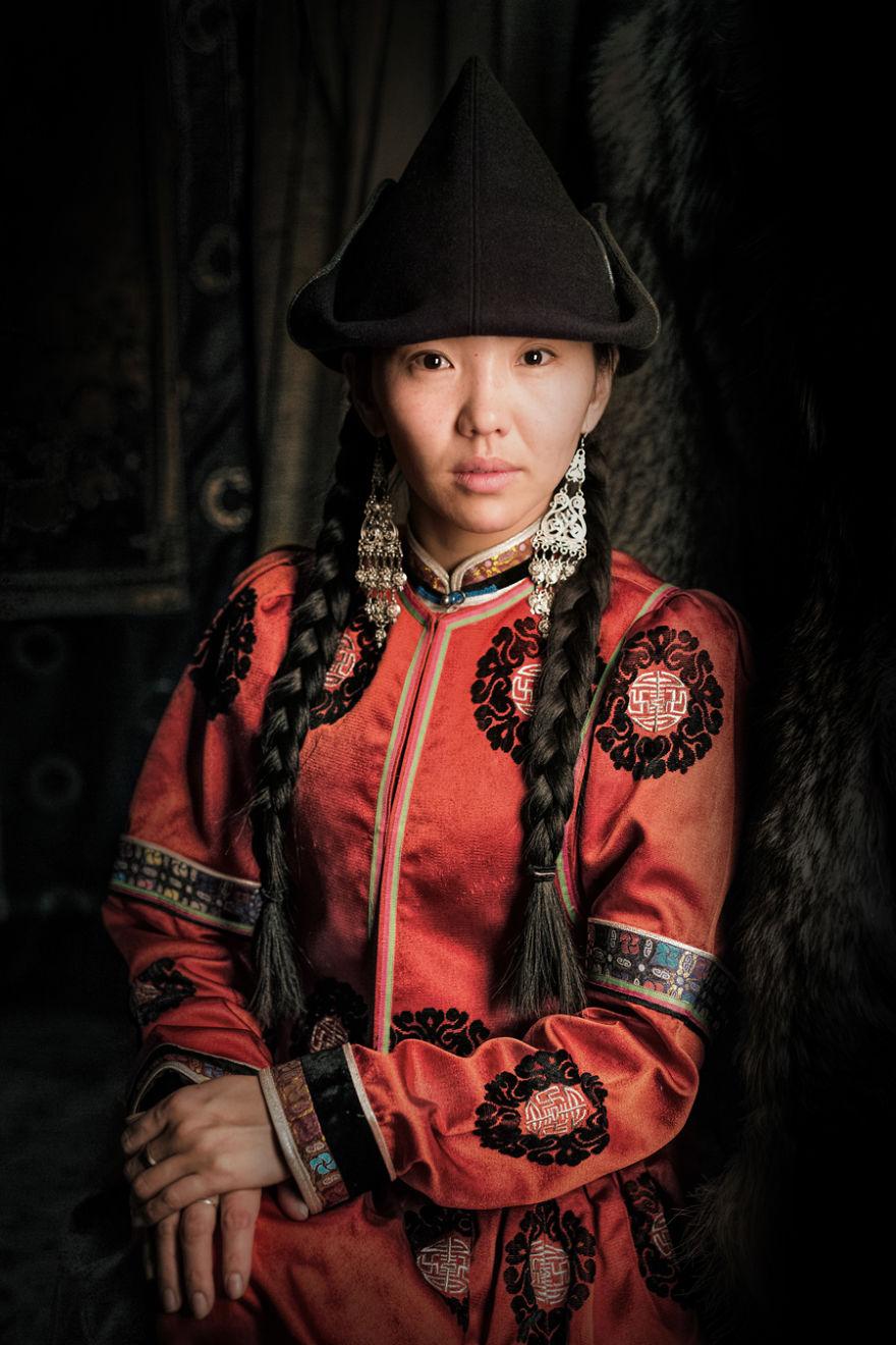 Девушка-бурятка из Шэнэхэна