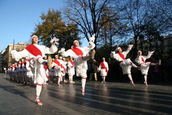 Европейские танцы с мечами