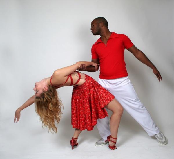 Танец страстных объятий