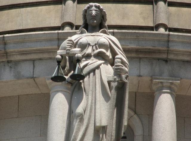 Древнегреческая богиня правосудия Фемида