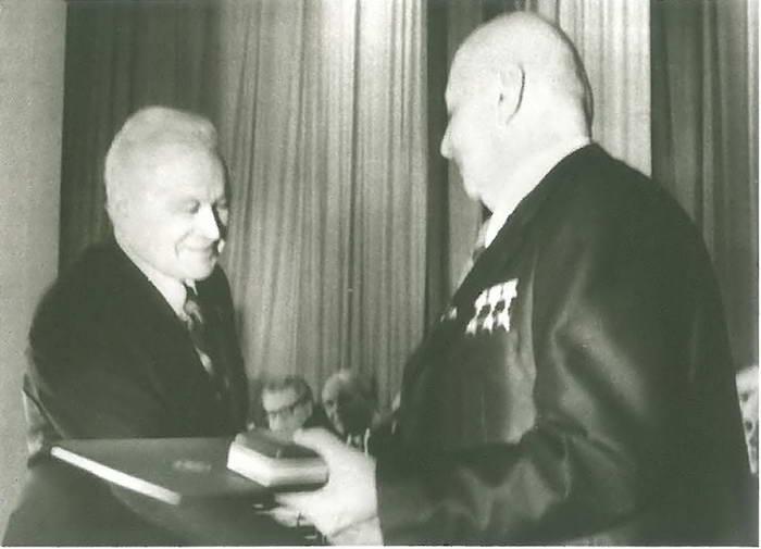 Владимире Челомей и Никита Хрущёв