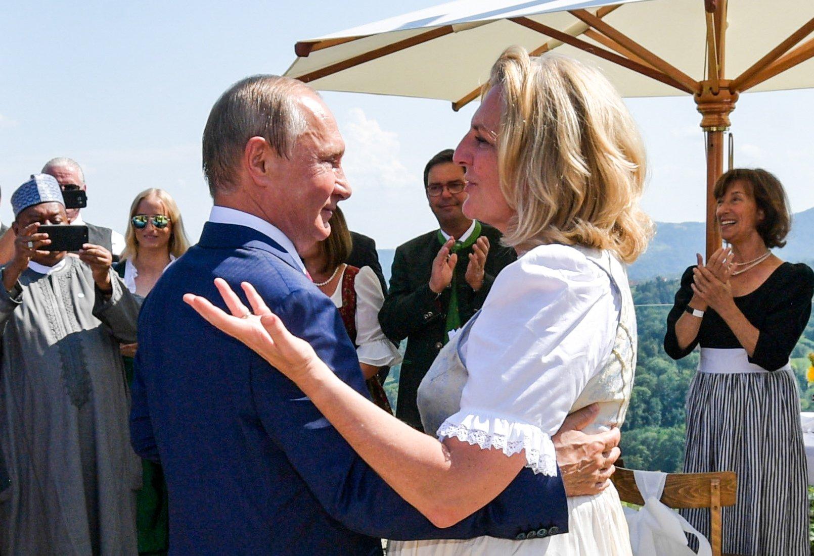 Блоги: Большой матричный ребус или Запад снова готовится напасть на Россию?