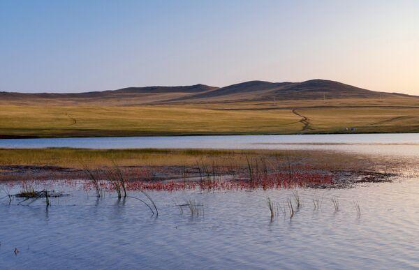 Озеро Ханхой на острове Ольхон в Иркутской области