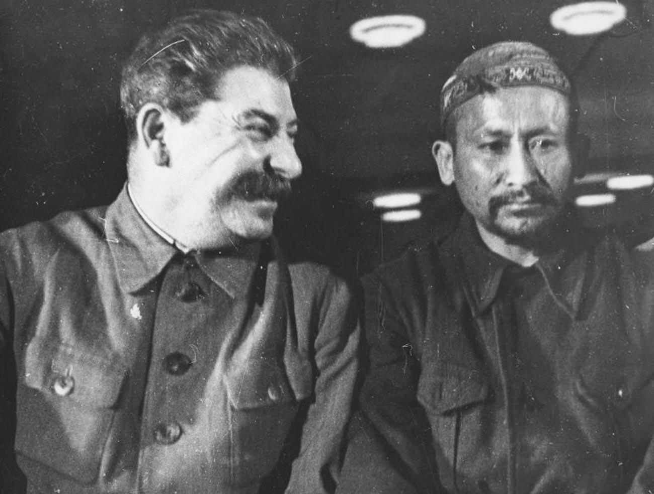 Сталину было важно ликвидировать национальные автономии