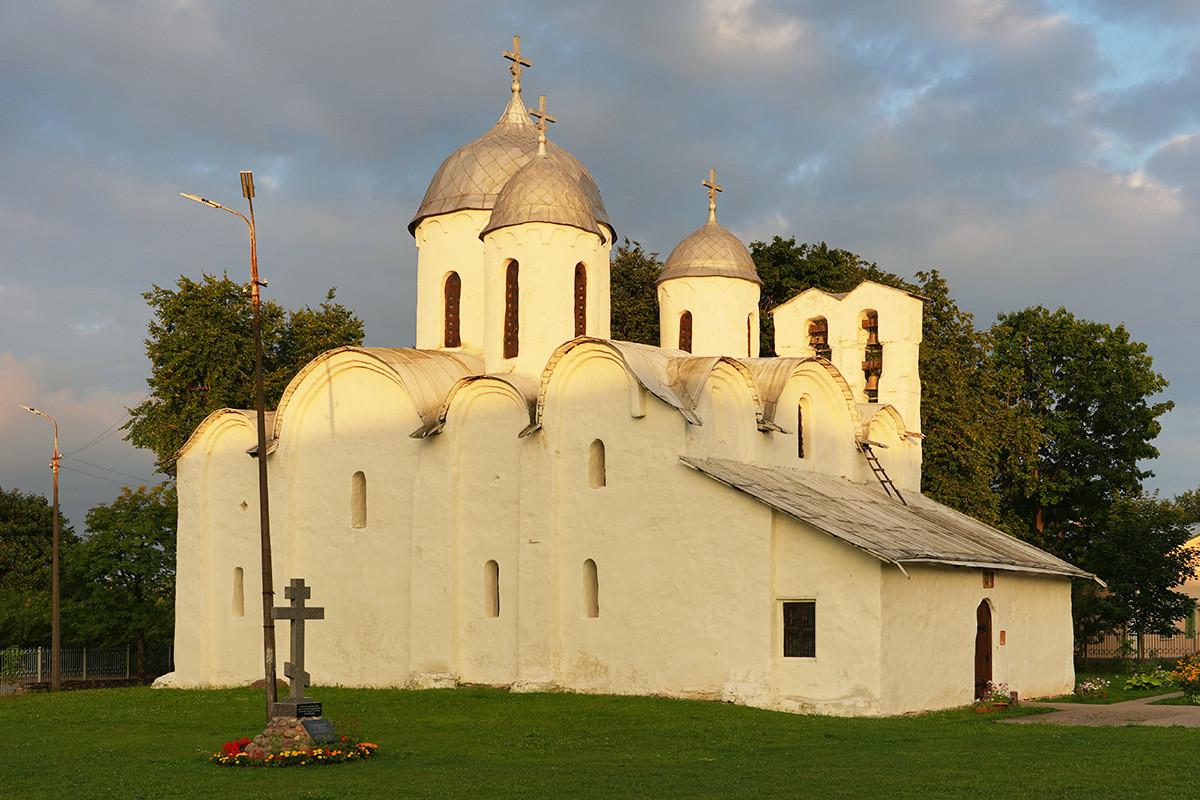 Собор Иоанна Предтечи XIII века в Пскове