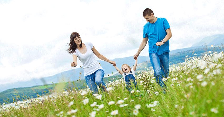 Чтобы дети вырастали не только физически здоровыми, но и были душевно и духовно развитыми, нужно, чтобы они были обласканы родительской любовью, чтобы были защищены ею.