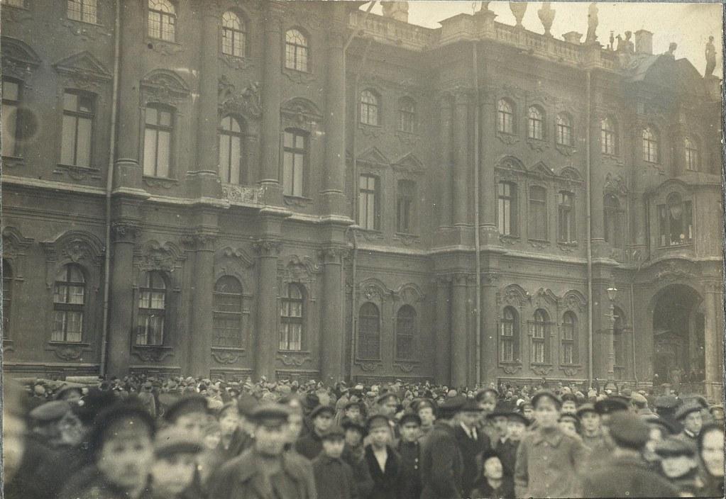 Зимний дворец утром в день его взятия. 26 октября.