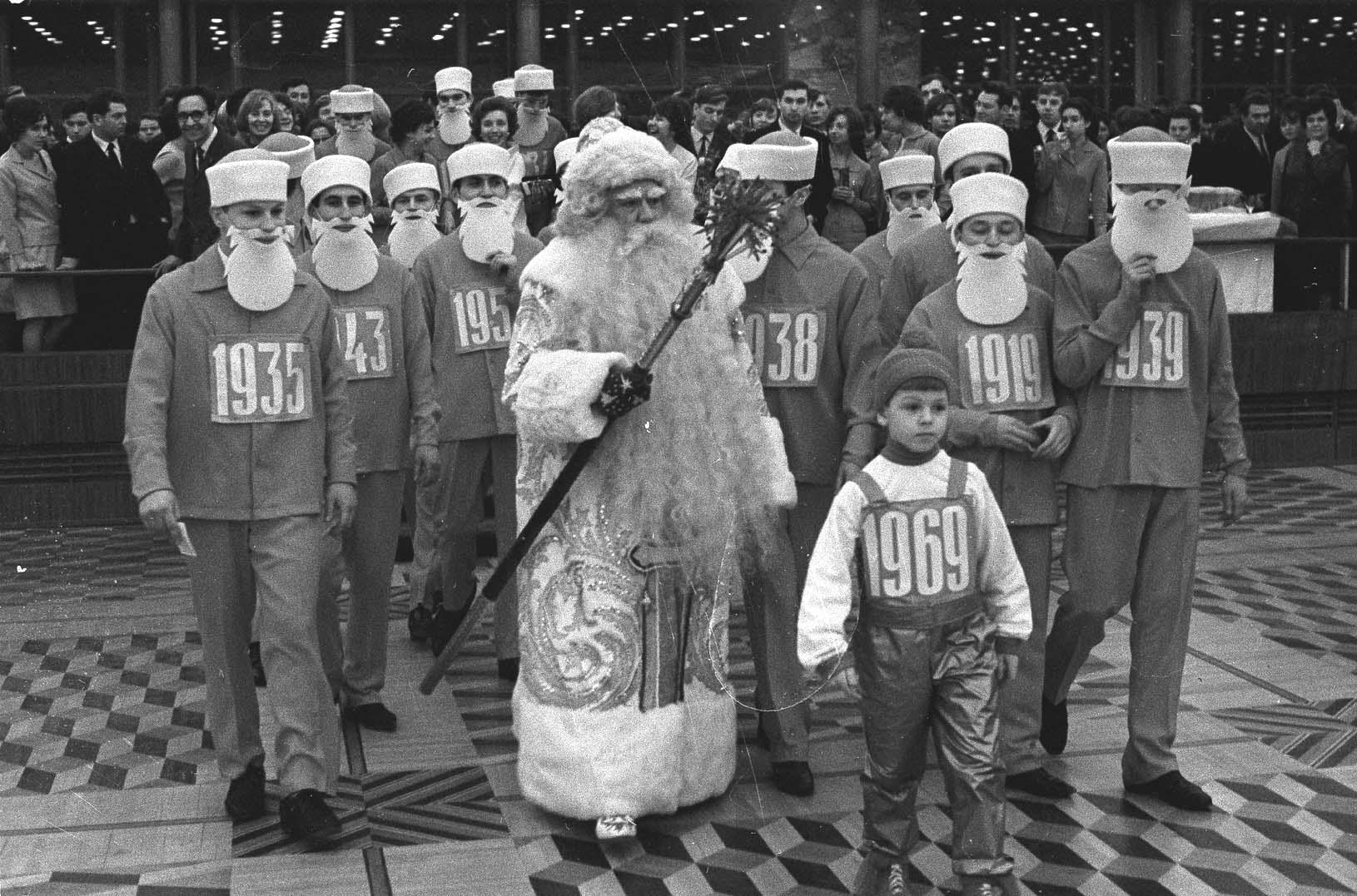 1968. Новогодний молодёжный бал в Кремлёвском дворце съездов. Авторы В. Мусаэльян, В. Соболев. 30 декабря