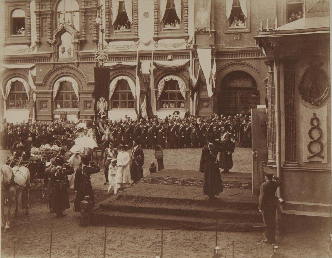 1912. Посещение императором Николаем II с семьёй Иверской часовни
