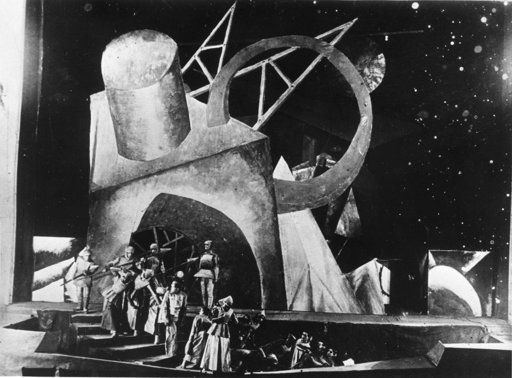 Эмиль Верхарн «Зори» в постановке В. Мейерхольда и Бебутова в Первом театре РСФСР, художественный руководитель В. Дмитриев, премьера 8 ноября