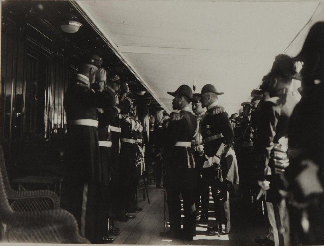 1912. Император Николай II с Вильгельмом II на палубе