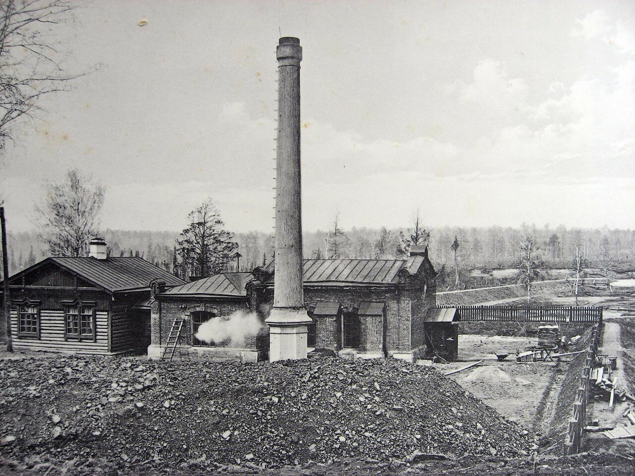 09. 2308 верста. Водоподъемное здание близ станции Иланская. Строительный период 1912