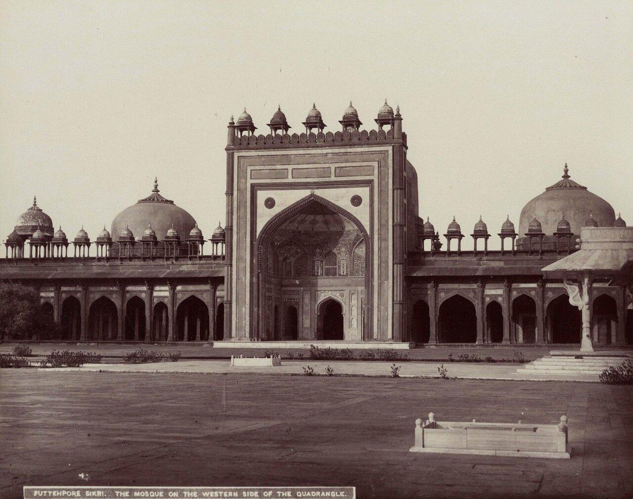 Фатехпур-Сикри. Императорская мечеть Джама Масджид. 1880