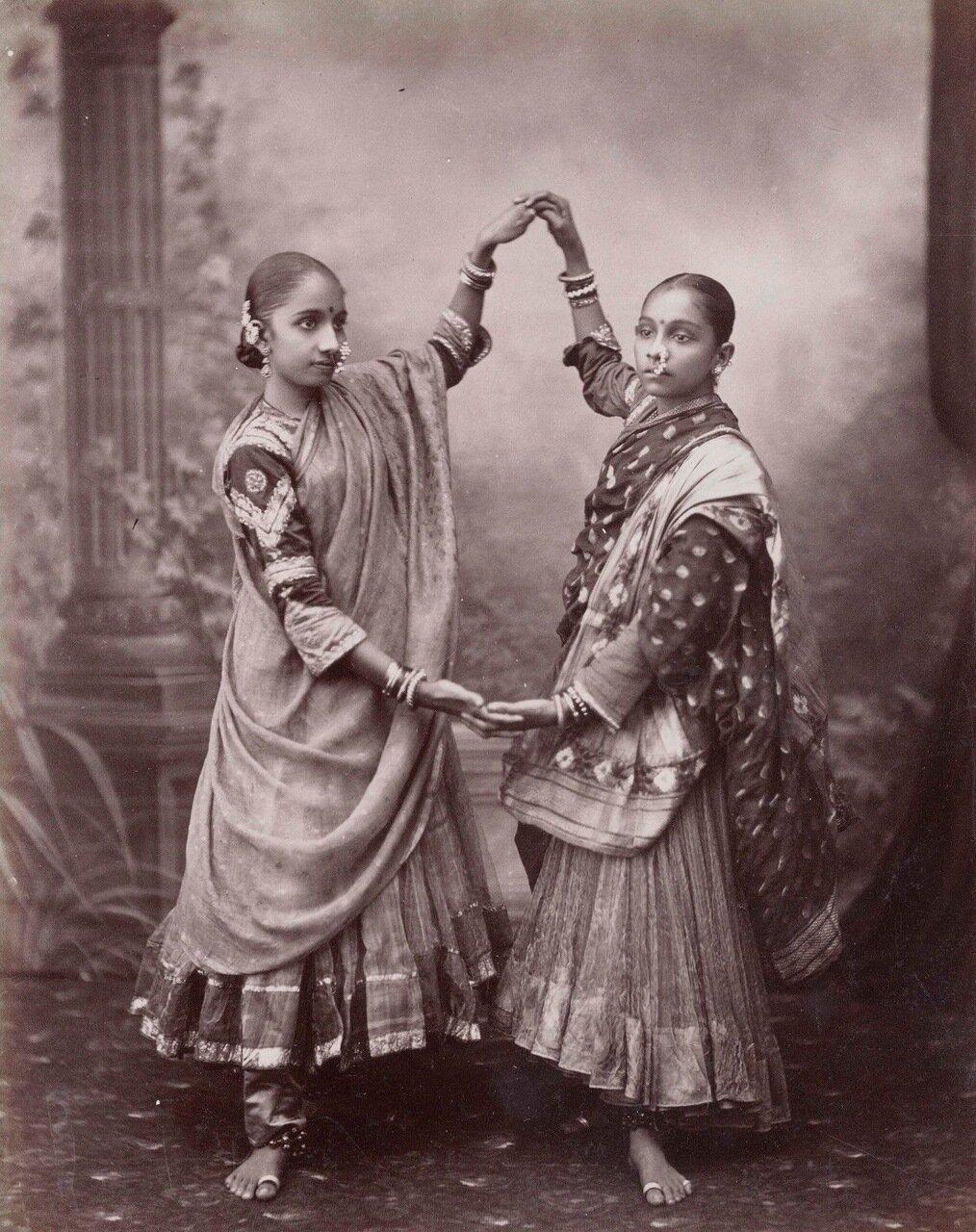 Танцовщицы. 1880