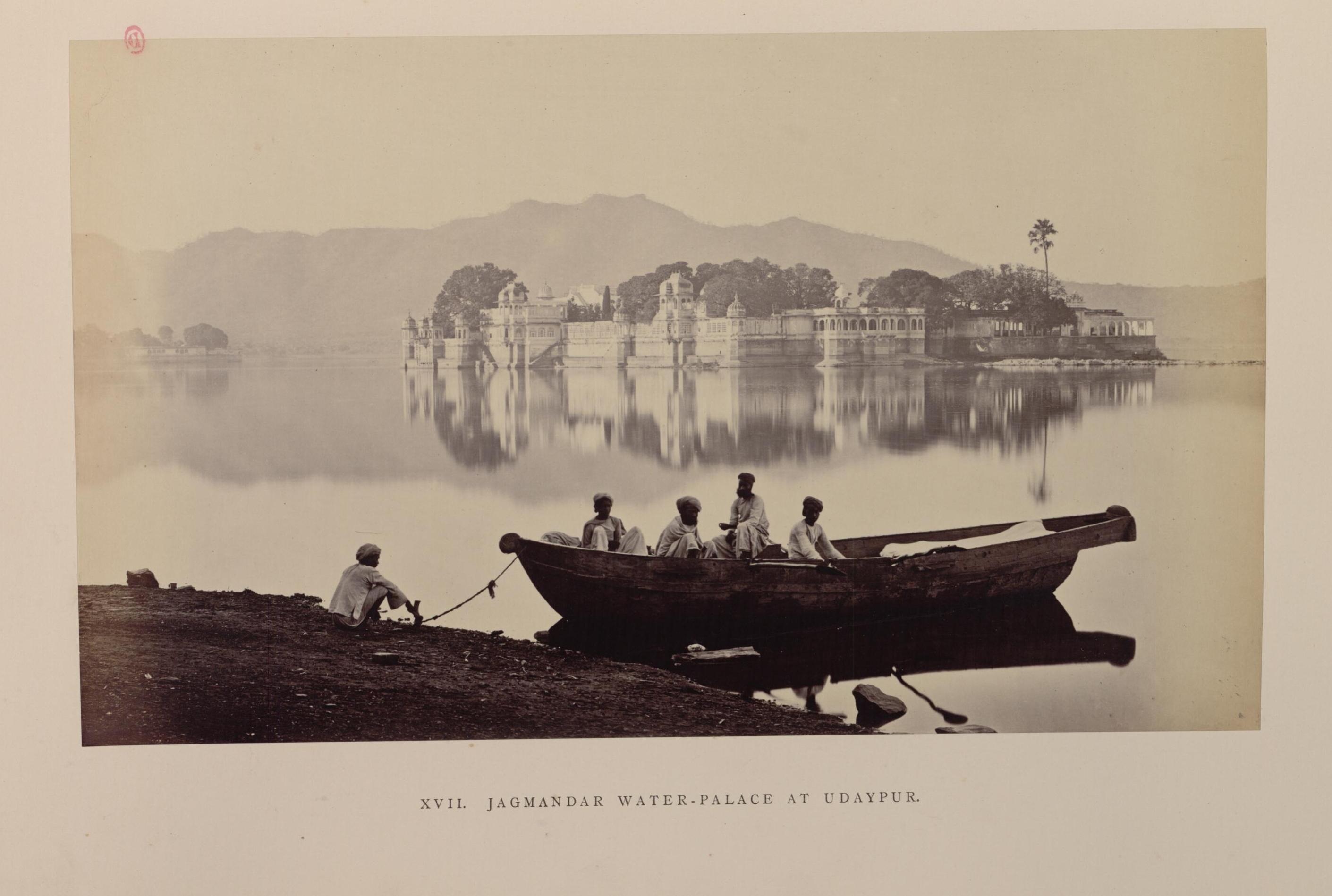 Удайпур. Озёрный дворец из белого мрамора