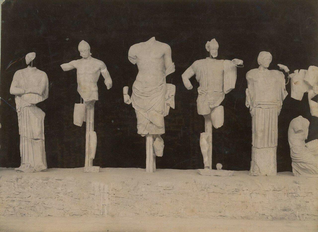 Музей греческих статуй. 1892