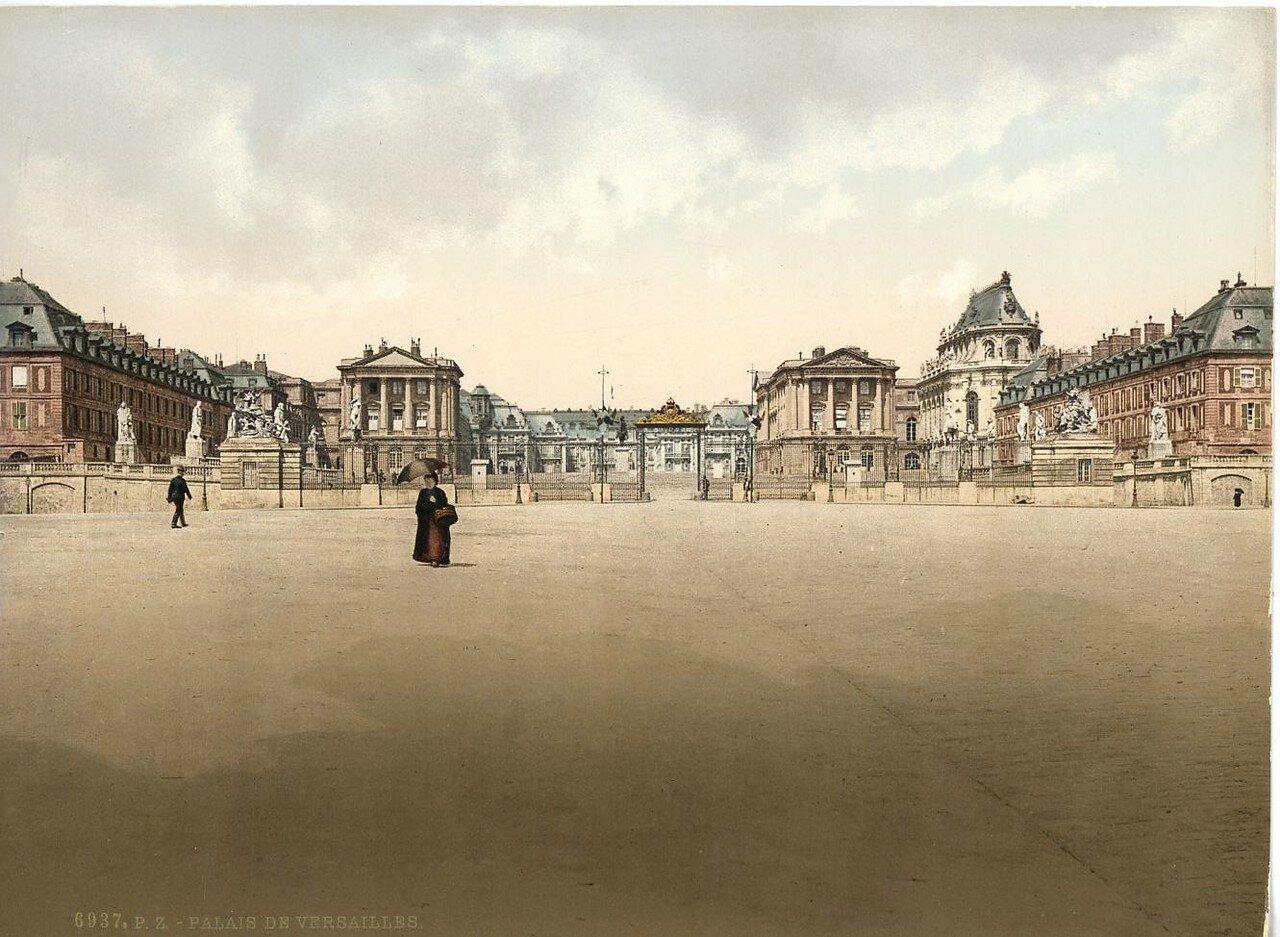 Версальский дворец. Главные ворота