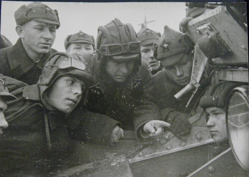 8. Пехотинцы и танкисты, Киев, 1939 год.