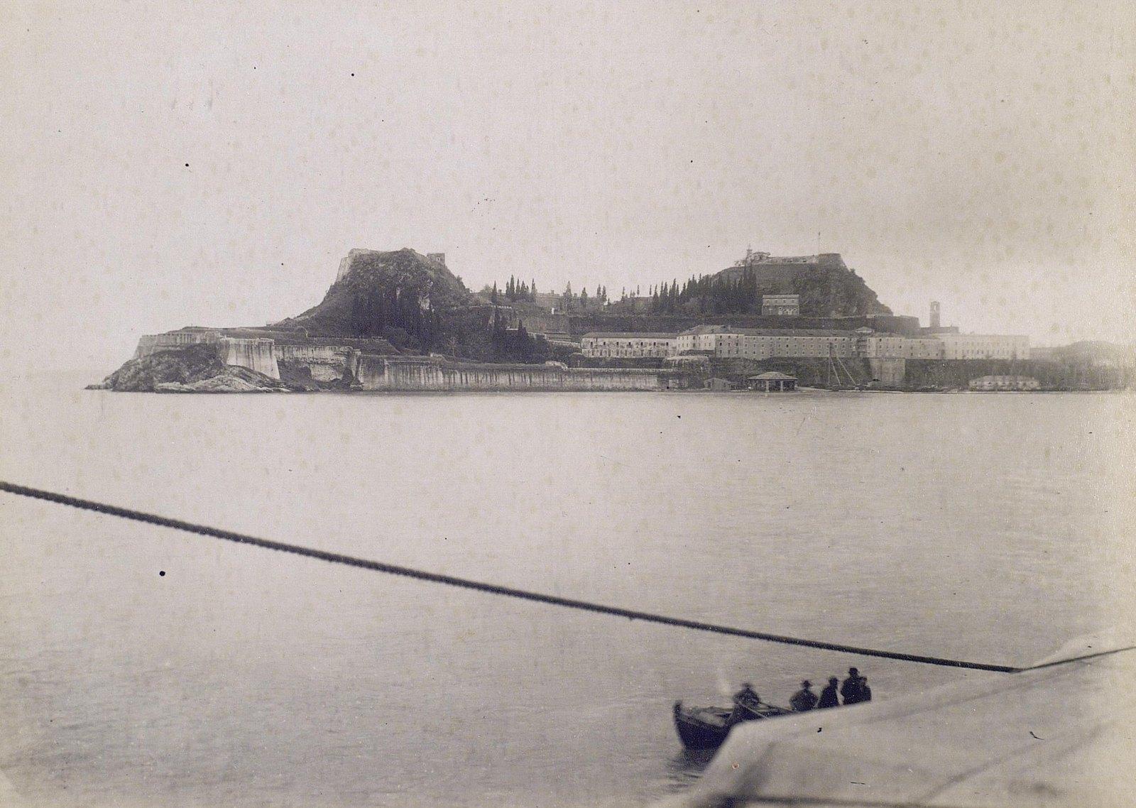 04. 1890. Вид рейда