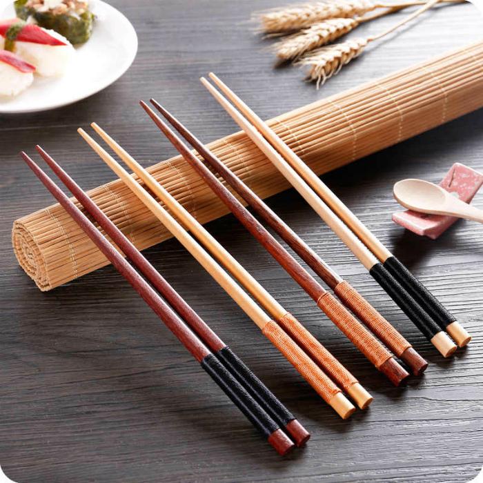 Производство и использование китайских палочек. | Фото: Lovepik.