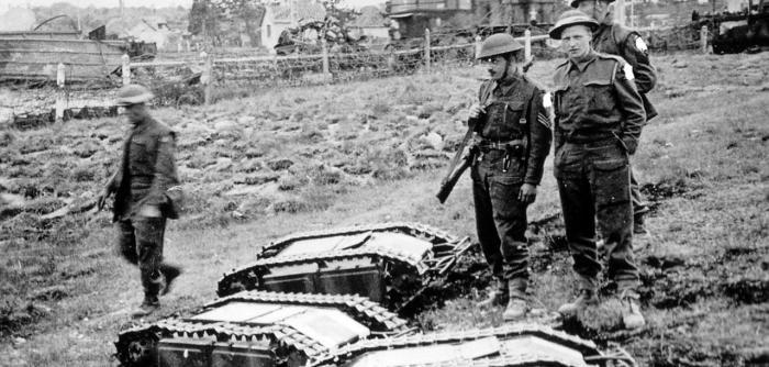 Беспилотные танки Первой мировой. | Фото: Die Welt.