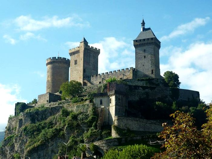 Правильное расположение - залог обороноспособности замка. /Фото: obiskusstve.com