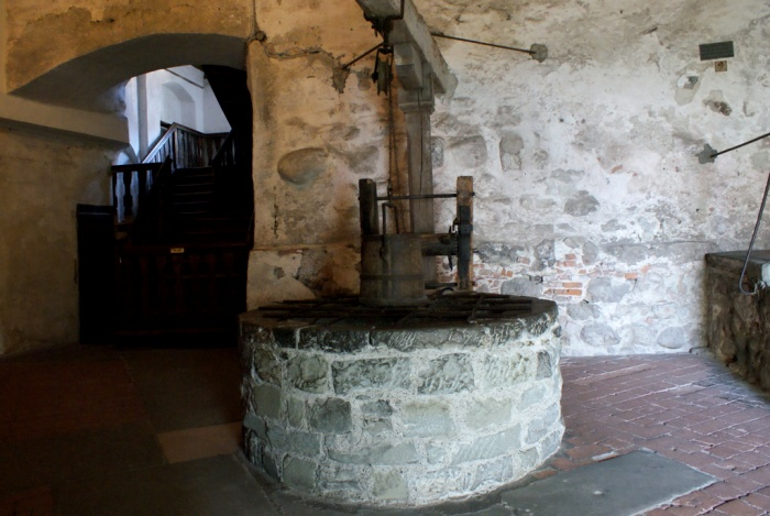Колодец замка Меерсбург, 14 век. /Фото: finovel.com
