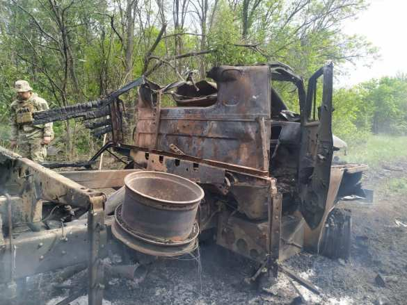 Новые потери ВСУ: на Донбассе рядом с местом ликвидации комбата карателей подорвался военный грузовик (ФОТО, ВИДЕО)   Русская весна