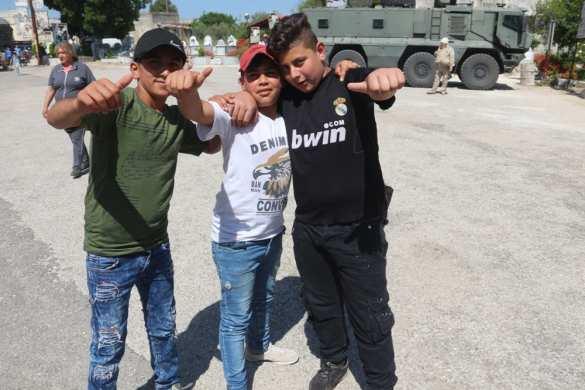 «Спасибо, Россия!» — арабские детишки устроили трогательную встречу российским военным (ФОТО) | Русская весна