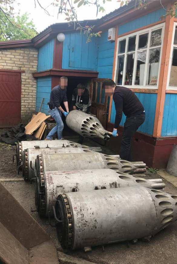 Это Украина: В частном доме под Киевом нашли арсенал авиационного оружия (ФОТО, ВИДЕО) | Русская весна