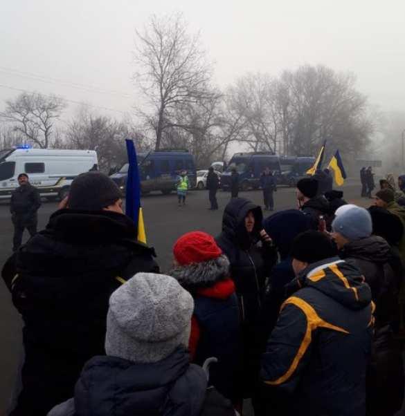 МОЛНИЯ: «Коронавирусный» борт с эвакуированными из Китая украинцами сел в Киеве (ФОТО, ВИДЕО) | Русская весна