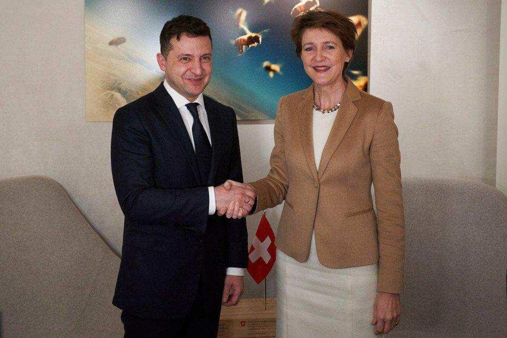 Зеленский повёз президента Швейцарии на Донбасс   Русская весна