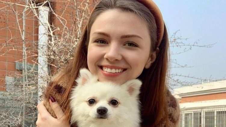 Украинка отказалась эвакуироваться из Китая из-за собаки, которую не разрешили взять на борт (ФОТО) | Русская весна