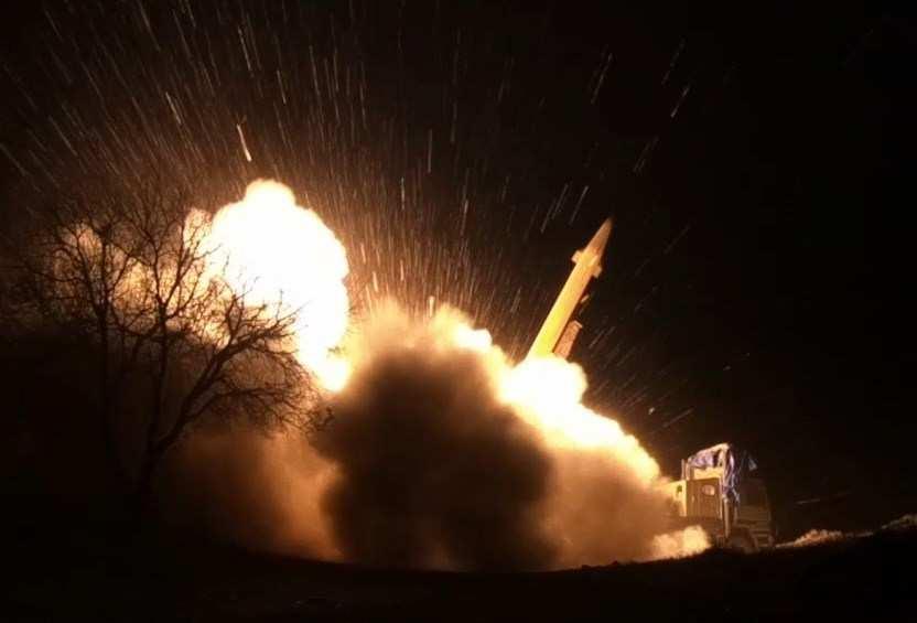 МОЛНИЯ: повоенной базе СШАвИраке нанесён новый ракетный удар | Русская весна