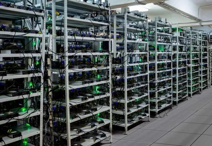 Это Украина: Полицейские майнили криптовалюту на конфискованных компьютерах   Русская весна