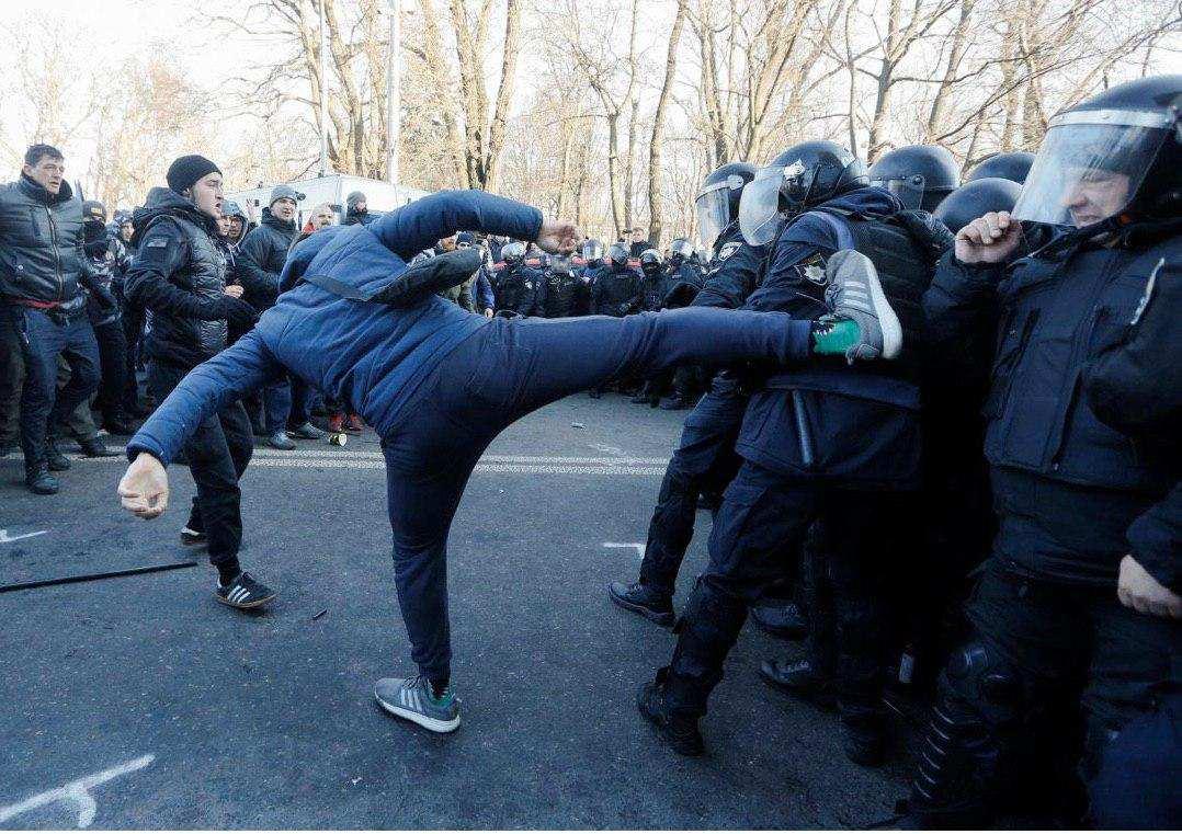 Совсем не фермер: интересные подробности о «первой жертве нового майдана» | Русская весна