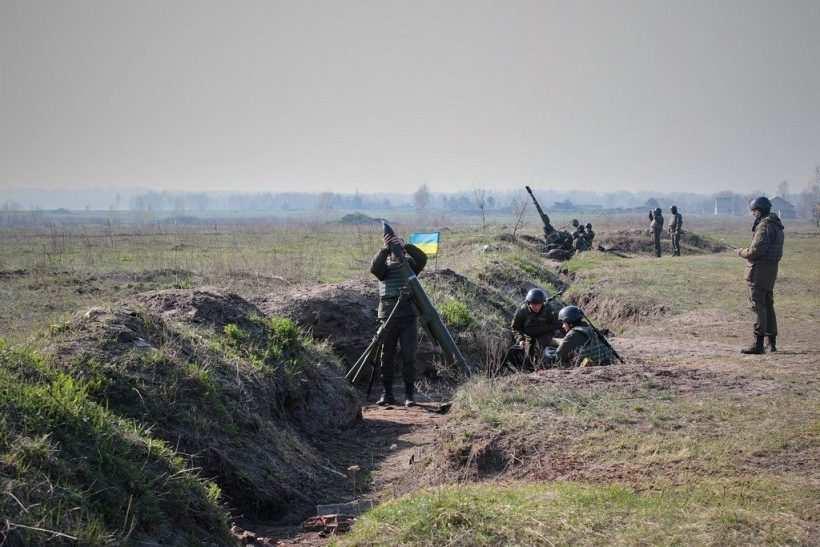 За сутки до: ВСУ нанесли удар из тяжёлого вооружения по ДНР | Русская весна