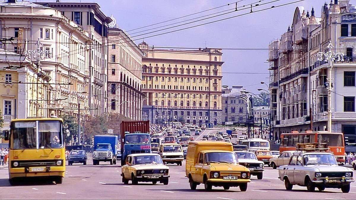 Россияне рассказали, как изменилась жизнь за 20 лет (ФОТО, ВИДЕО) | Русская весна