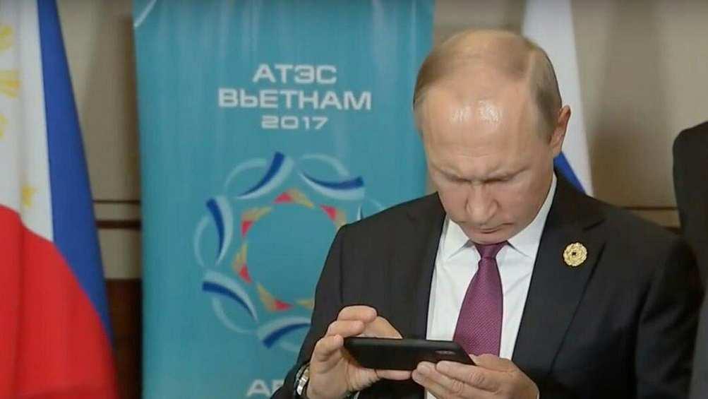 Путин подписал закон о предустановке российского программного обеспечения на гаджеты | Русская весна