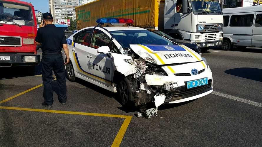 Это Украина: За время работы Национальной полиции разбита половина автопарка (ФОТО) | Русская весна