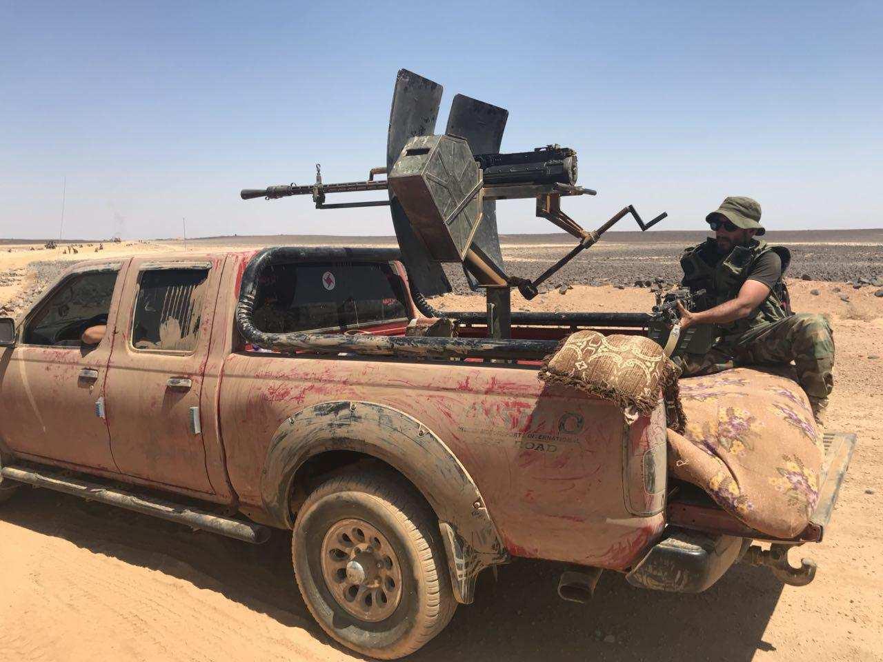 «Тигры» начали операцию в пустыне под Пальмирой: обнаружен и атакован отряд боевиков | Русская весна