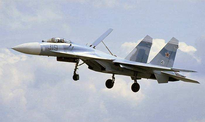 «Как смеют эти русские!» — западные читатели оценили перехват российским Су-27 американского B-52 | Русская весна