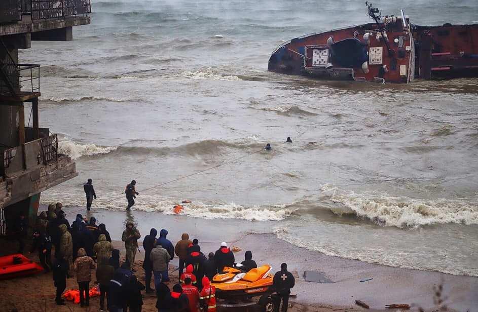 Затонувший под Одессой танкер нельзя разрезать, ущерб будет колоссальным, — глава Госэкоинспекции Украины | Русская весна