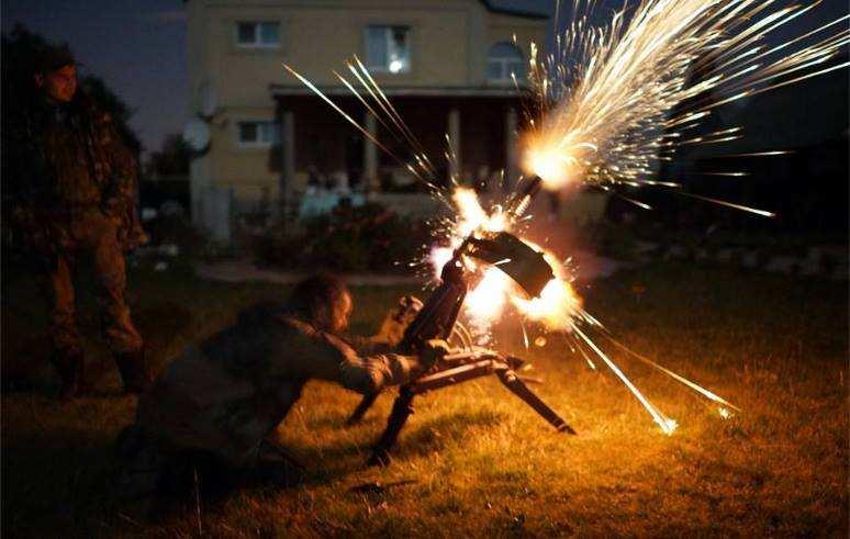 ЛНР: сбит беспилотник, гранатомётный выстрел убил одного и ранил двоих карателей, — сводка с фронта (ВИДЕО) | Русская весна