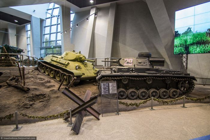 Советский и немецкий танки
