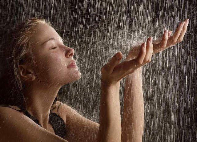 Контрастный душ возвращает молодость