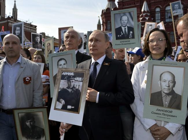 2015-05-09t133826z_604829695_lr2eb5911vr7d_rtrmadp_3_ww2-anniversary-russia (1)
